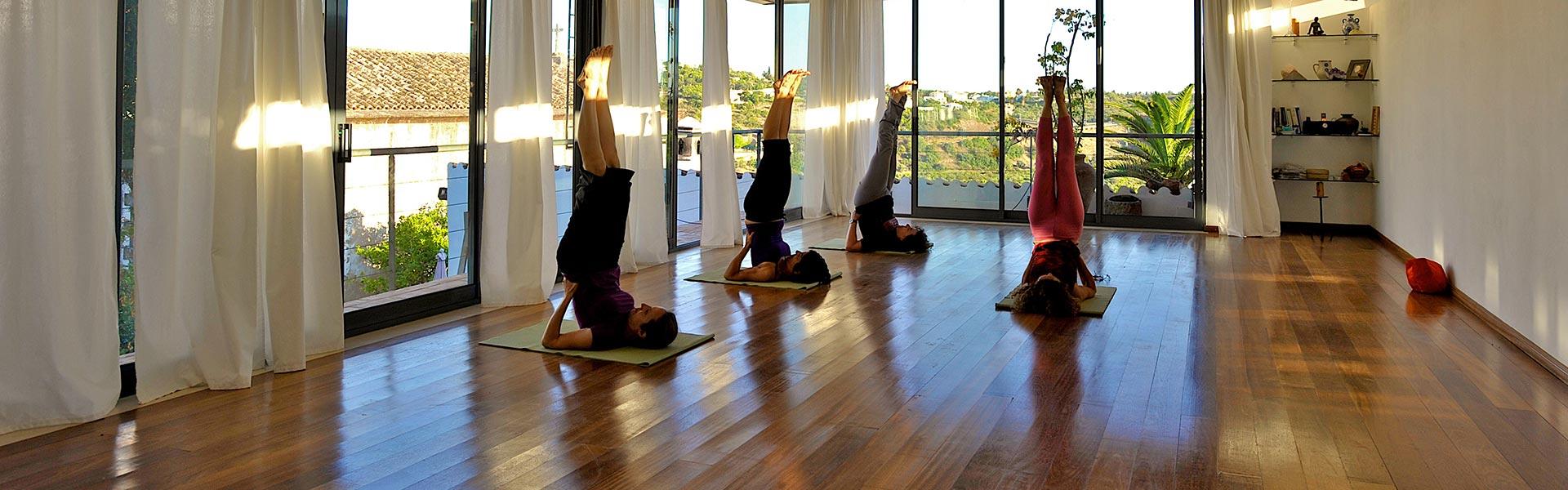 Quintal do castelo for Places to do yoga